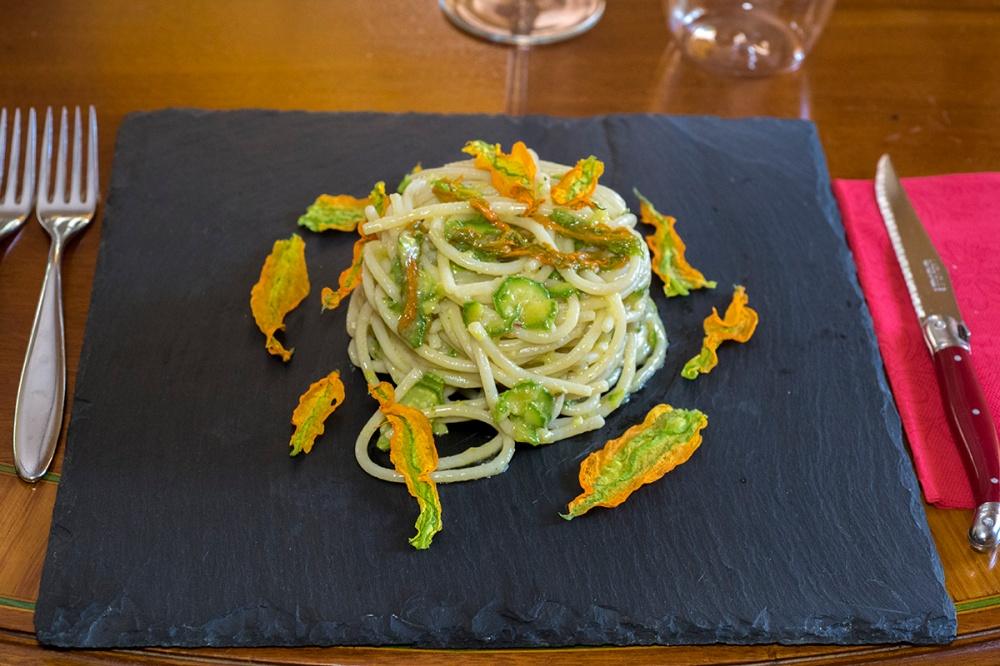 Spaghettoni con le zucchine per blog. 06.jpg