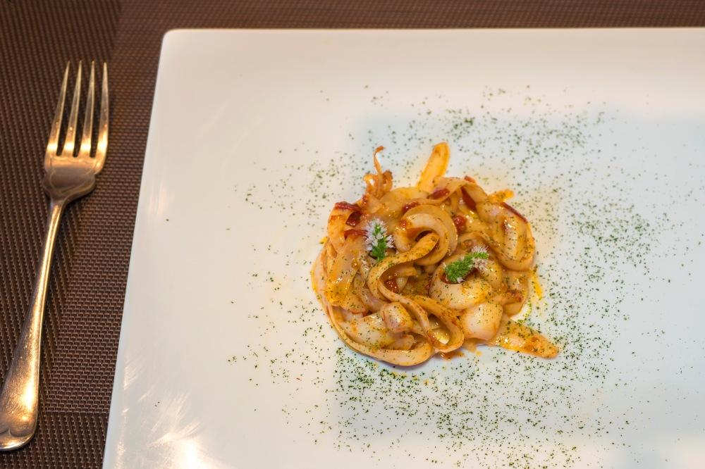 Fettuccine di calamaro con la colatura di alici 24